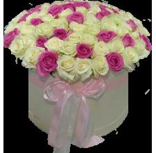 101 бело - розовая роза в шляпной коробке