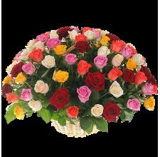 101 разноцветная роза в корзине
