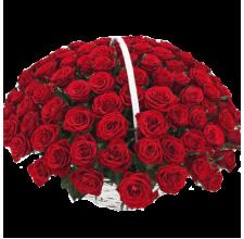 101 красная роза в корзине.