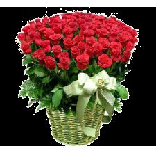 Корзина красных роз Мулен Руж. Розы в Корзине.