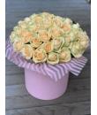 101 или 51 персиковая роза в шляпной коробке