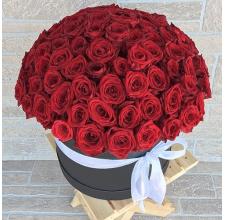 """101  красная роза Гран-При в коробке"""